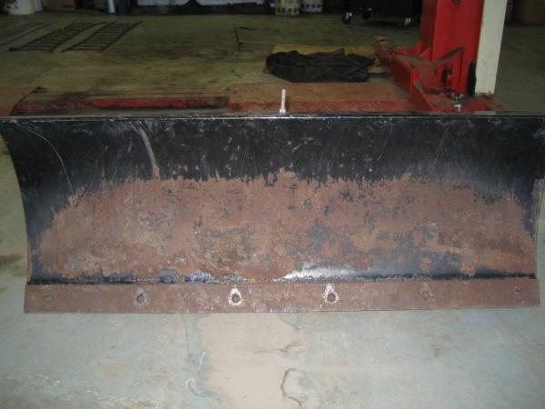 "<span class=""dojodigital_toggle_title"">Slightly Used 46″ Dozer Blade #4 for Honda RT5000, H5013, or H5518 Tractor</span>"