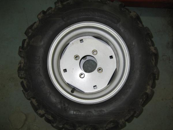 LIKE NEW Rear Ag Tires & Rims for Honda RT5000, H5013, or H5518 Tractor