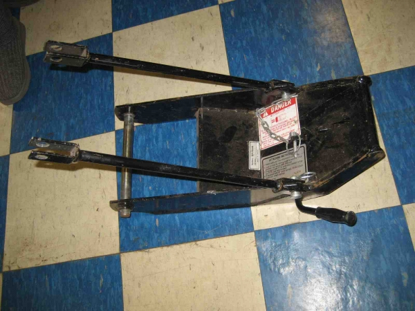 SLIGHTLY USED Front Quick Hitch #13 for Honda H5013, or H5518 Tractor