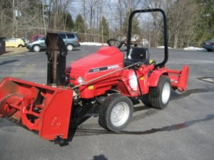 SLIGHTLY USED Honda H5518A4 Tractor 26 Package