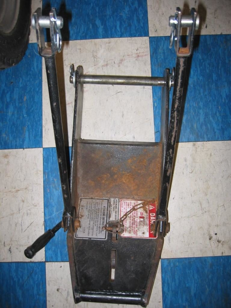 "<span class=""dojodigital_toggle_title"">Used Front Quick Hitch #5 for Honda RT5000, H5013, or H5518 Tractor</span>"
