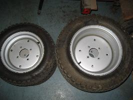 LIKE NEW Front & Rear Turf Tires & Rims for Honda RT5000, H5013, or H5518 Tractor